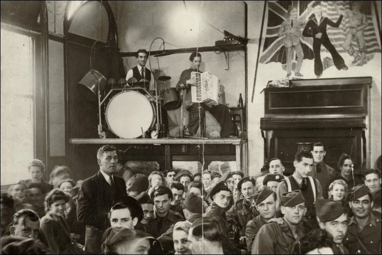 band on the wall 1940s